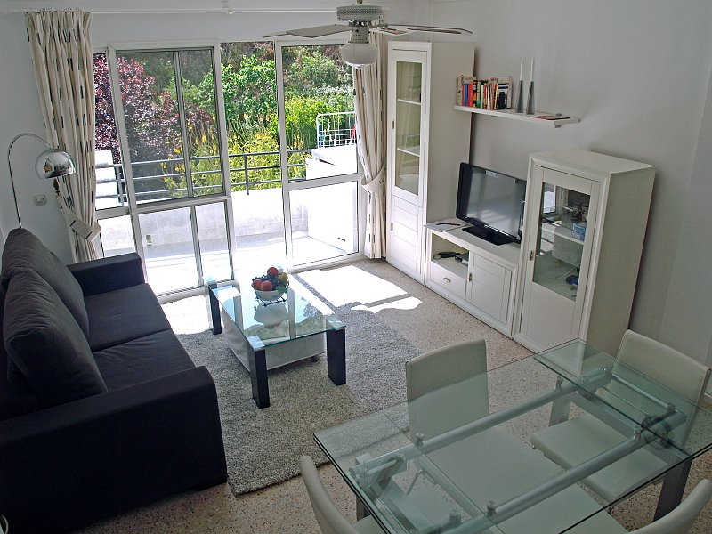 94 esstisch in wohnzimmer prchtig modern wohnzimmer. Black Bedroom Furniture Sets. Home Design Ideas